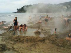 hot water beach2 240x180 - Hot Water Beach