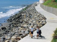 slide newplymouth02.jpg 240x180 - New Plymouth Coastal Walkway