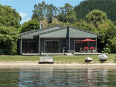 Lounge to Lake 01 240x180 - Lounge To Lawn To Lake