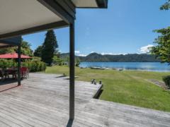 Lounge to Lake 02 240x180 - Lounge To Lawn To Lake